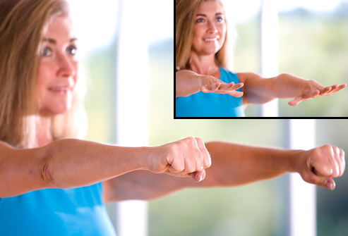 webmd_photo_of_trainer_stretching_fingers